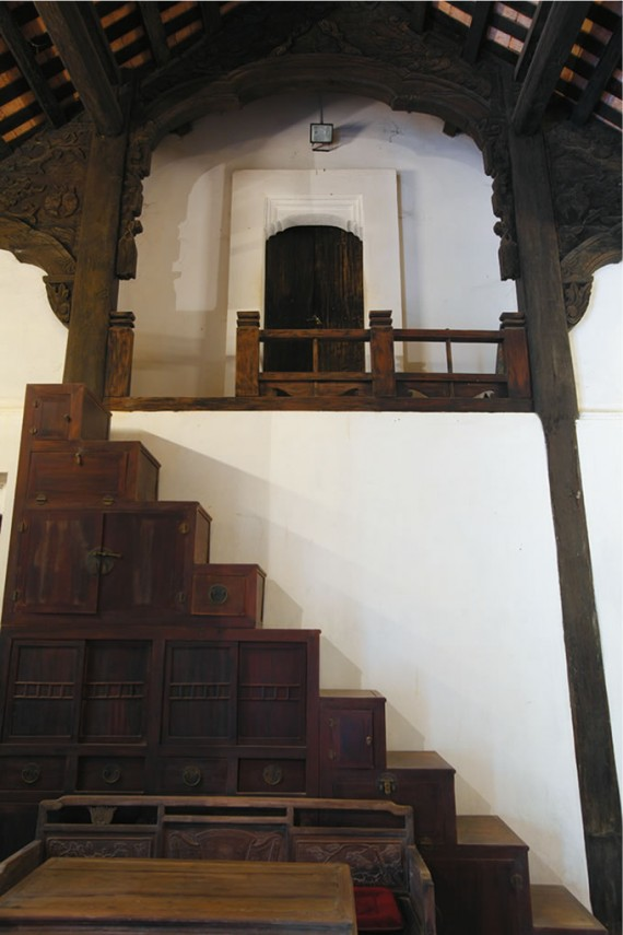 写真3の建物内部