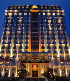 「セラドンホテル」に日本人ゲストリレーション常駐