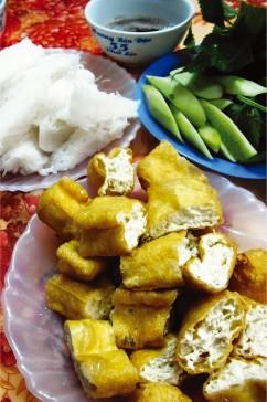 揚げ豆腐のブン マムトムダレ/Buùn Ñaäu Maém Toâm