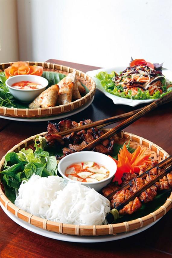 チンムオイサウ(96)[ベトナム料理]