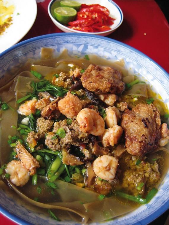 ハイフォン風カニ汁麺/Bánh Đa Cua