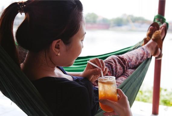 ベトナムのハンモックでスヤスヤ