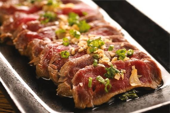 牛肉のたたき、ポン酢ソース/Beef Tataki with Ponzu(22万VND)