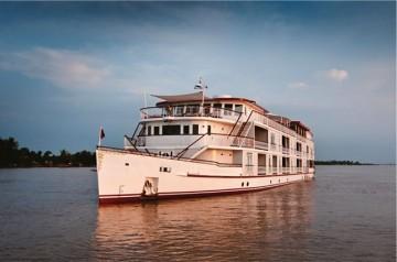豪華客船「ジャヤバルマン号」と「ジャハーン号」