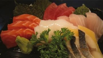 刺身・寿司セットを販売@「アクルヒスーパー」