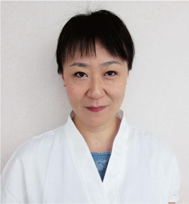 「ロータスクリニック」に/日本人女性医師・半田先生が着任