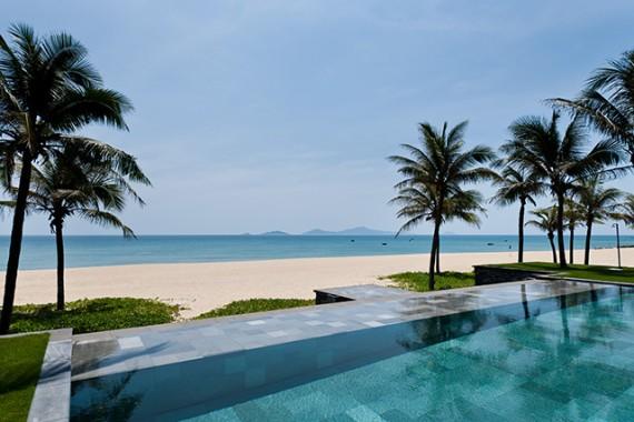 Nam-Hai-Besachfront-Pool-Villa