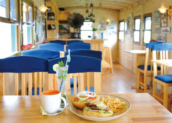 TrainCafe004