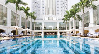 Indochine Palace pool 2