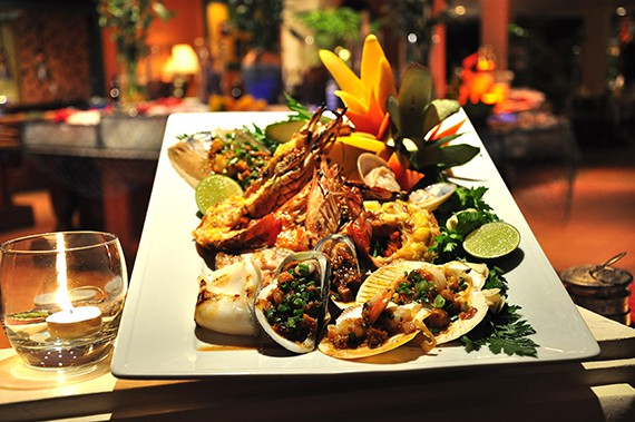 2_vietnamese-seafood-market-buffet-dinner_at_cafe-indochine
