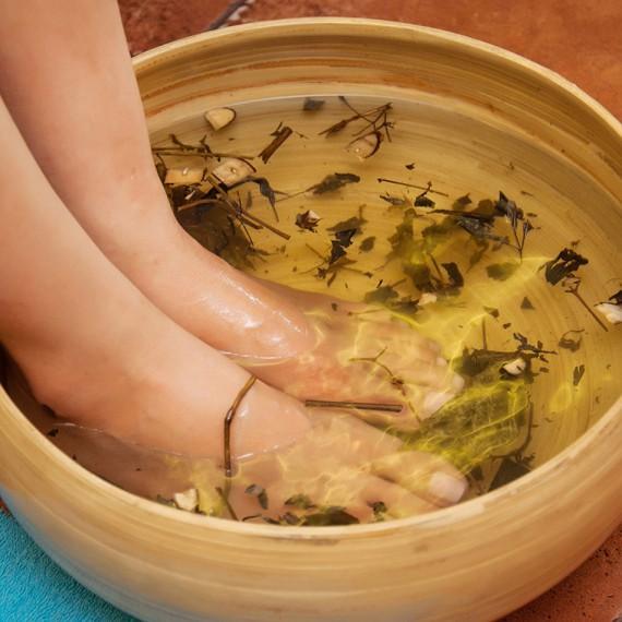 tam-trang-va-massage-kem-duong-trang-toan-than-tai-jen-spa-2014818155622574