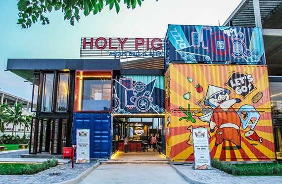 9_Holy Pig_VNS_Photo_201702