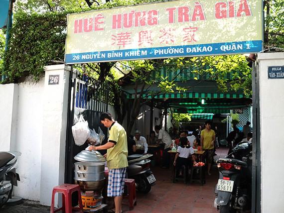 2a_Hue Hung Tra Gia